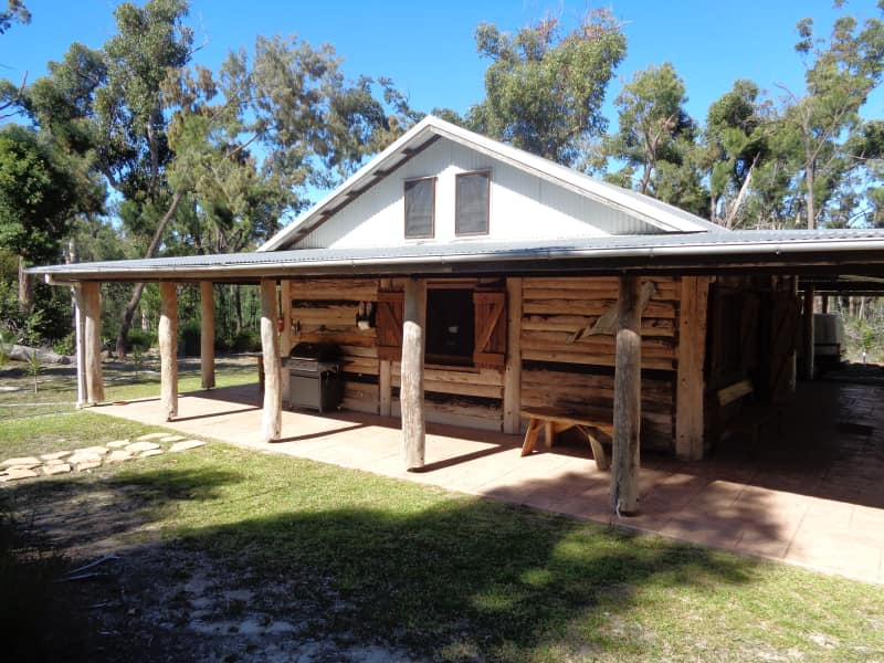 Byfield Cabins on Waterpark Creek. Rustic Bush Cabin Exterior