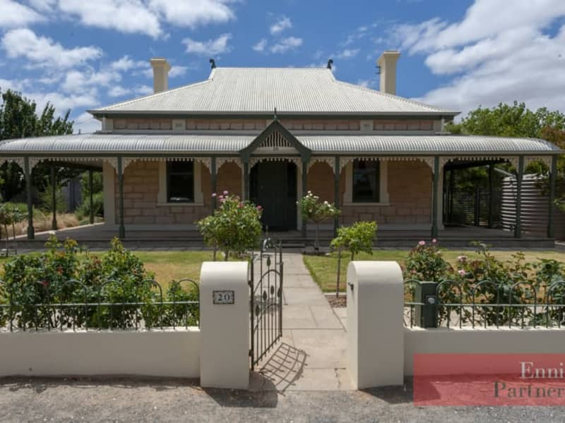 20 Old Kapunda Road. Magnificent Homestead with Stunning extension!