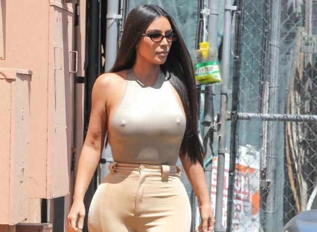 Ким Кардашьян замечена в Лос-Анджелесе. Телезвезда без белья!