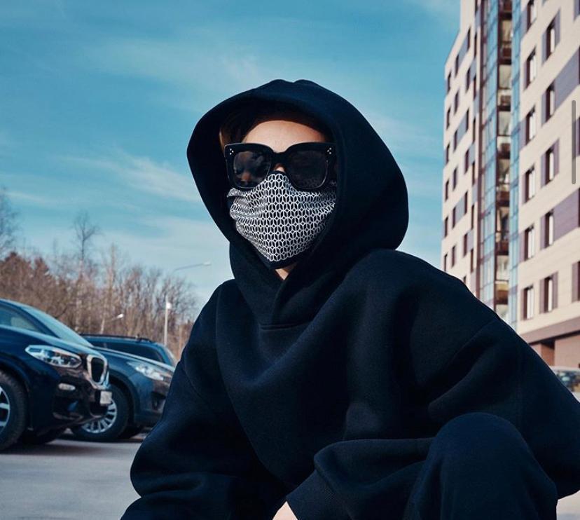 От бесплатных антисептиков до автомобилей для больниц: как российские бренды помогают в борьбе с коронавирусом