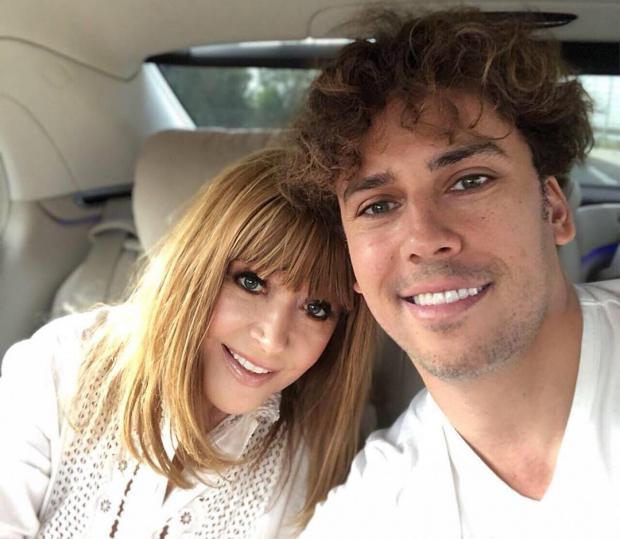 Лиза и Гарри Галкины поздравили поклонников с Пасхой: новое видео знаменитой семьи