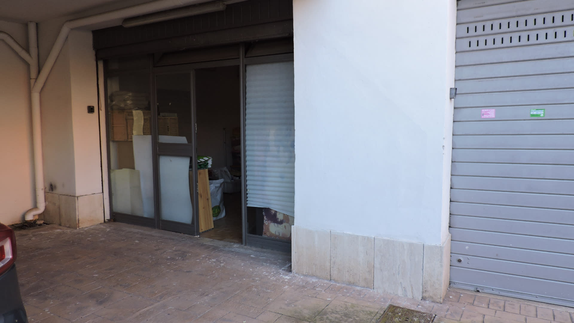 Morena - Locale commerciale ampia metratura
