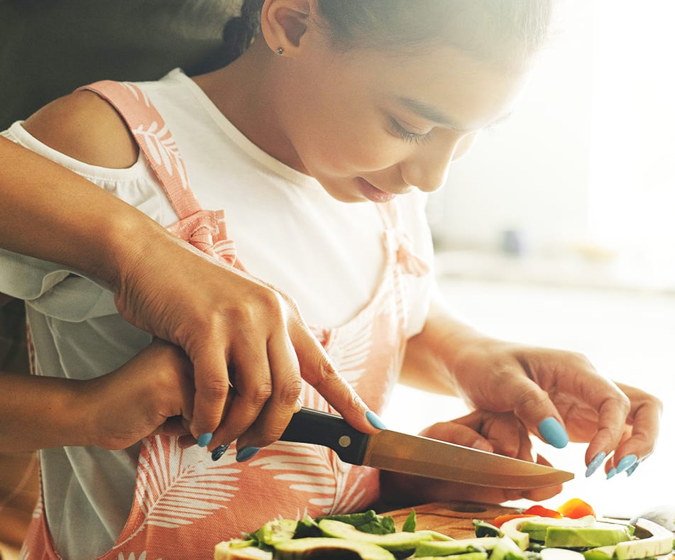 Homeschool Lessons You Can Teach Your Kid in the Kitchen