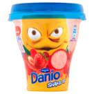 DANONE DANIO Shake It Napój jogurtowy o smaku truskawkowym 240g