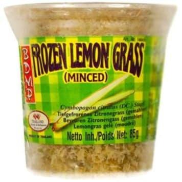 Trawa cytrynowa mrożona mielona 85g – Bdmp. To jedna z podstawowych przypraw kuchni tajskiej.