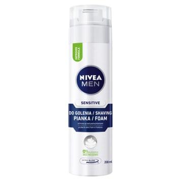 Łagodna pianka do golenia – Nivea Men zniweluje zaczerwienienia i podrażnienia po goleniu twarzy.