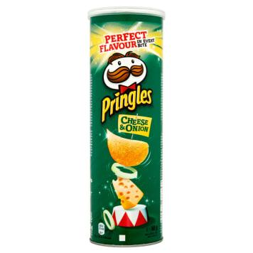 Chipsy ser&cebula – Pringles. Bardzo chrupka przegryzka o najpopularniejszym smaku.