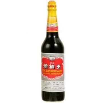 Ciemny sos sojowy, 750 g - Superior. Z soi powstałej w wyniku 6-miesięcznej fermentacji.
