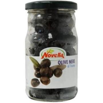 Wędzone czarne oliwki – Novella to niezastąpiony dodatek do dań kuchni śródziemnomorskiej.