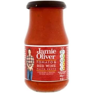 Sos bolognese z czerwonym winem-Jamie Olive to idealny dodatek do dań włoskich.