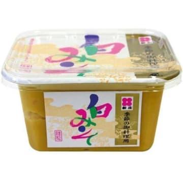 Pasta miso jasna Shinyo to bogaty w proteiny składnik japońskich zup.
