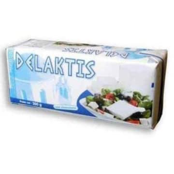 Ser sałatkowy – Delaktis produkowany z pasteryzowanego mleka, z dodatkiem tłuszczów roślinnych.