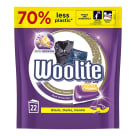 WOOLITE Dark Kapsułki do prania z keratyną czarnych i ciemnych tkanin 22 szt 1szt