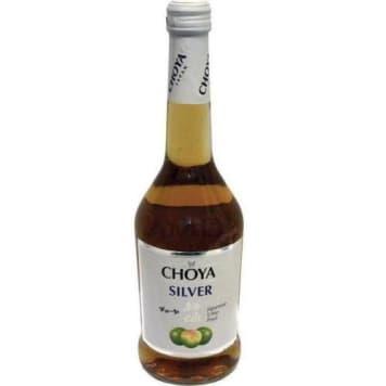 Wino z moreli japońskiej - Choya Silver o neizwykle subtelnym smaku i ciekawym złotym kolorze.