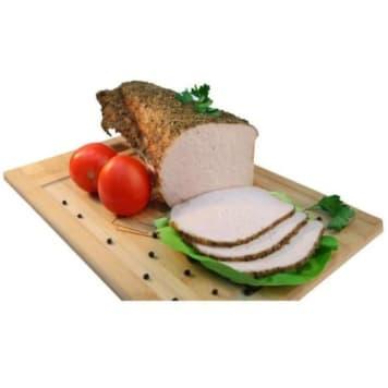 Schab pieczony - Wierzejki. Połączenie mięsa wieprzowego i aromatycznych ziół znane od wieków.