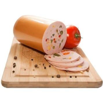 Wierzejki – Polędwiczanka z warzywami w plastrach to połączenie wieprzowiny, drobiu i warzyw.