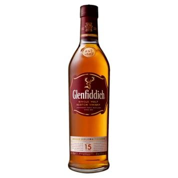 Whisky Single Malt Szkocka-Glenfiddich. Zachwyca owocowym aromatem z domieszką miodu i wanilii.