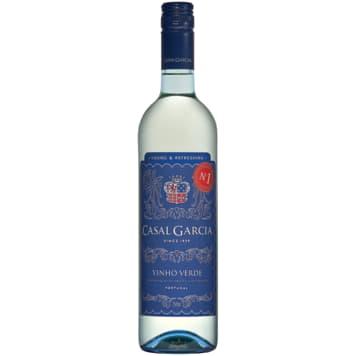 Vinho Verde-Casal Garcia to orzeźwiające wino z nutą pigwy i cytrusów.
