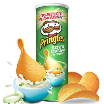 Chipsy Śmietana i Cebula Pringles to kultowej chipsy ziemniaczane o oryginalnym smaku.