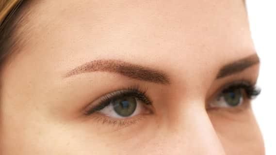 Коррекция перманентного макияжа бровей
