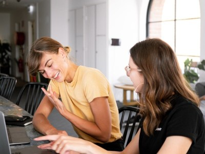 Online Tartalom és Marketing Manager @ Syncee