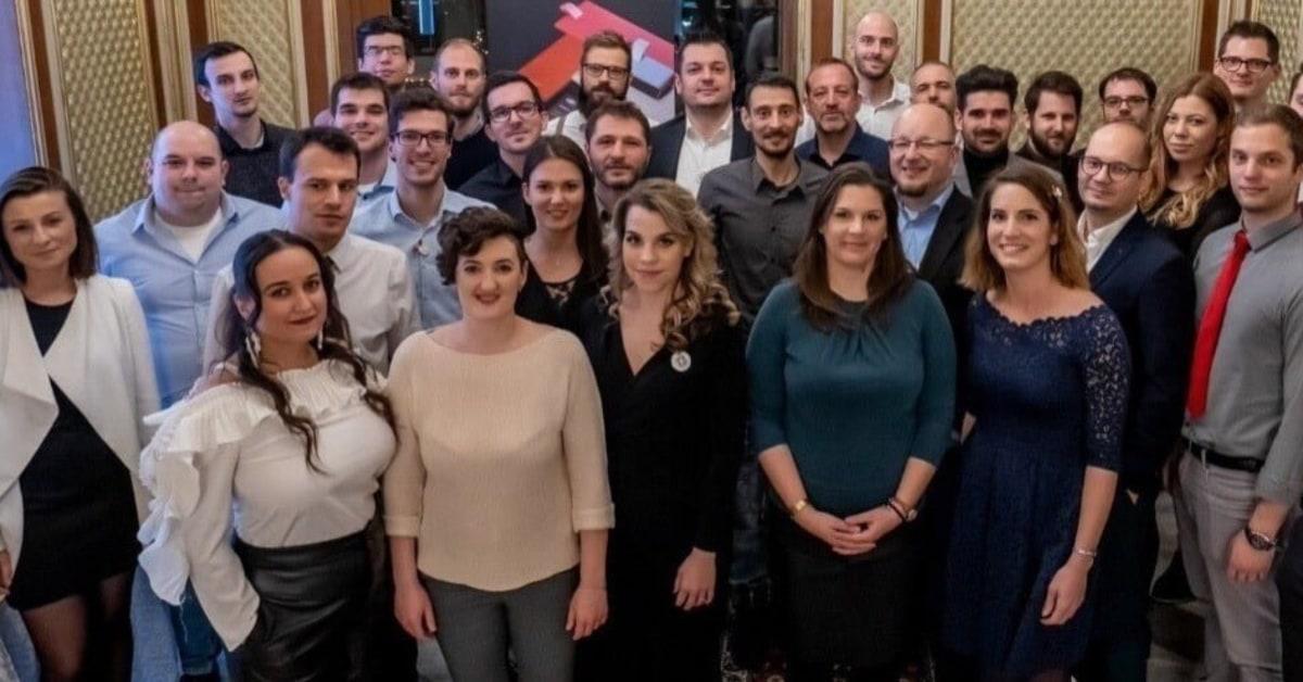 A MiniCRM csapatában fejlődési lehetőség, kihívások és egy szuper közösség várja a jelentkezőket