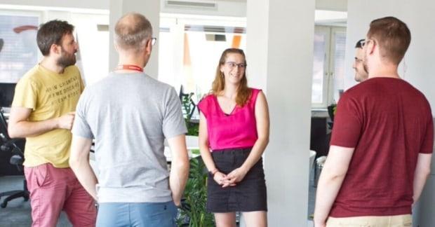 Így telik egy vezető fejlesztő munkanapja egy sikeres informatikai cégnél -  interjú a Webstar Csoport munkatársával