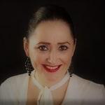 Tőkei Csilla     - marketing munkatárs