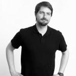 Tamás     - iOS fejlesztő