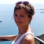Pótó Laura     - Legal Consultant