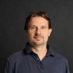 Szarvas Péter             - CEO