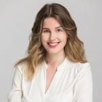 Gyuris Dóra     - Marketing Manager