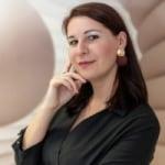 Diczenty-Peti Kinga             - Fejlesztési vezető