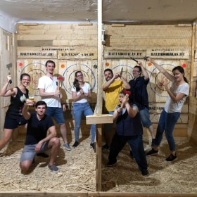 Axe throwing- pressure equalization