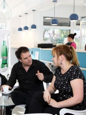 Converzum - a nyelvi közösségi tér - Spanyolóra kávé mellett