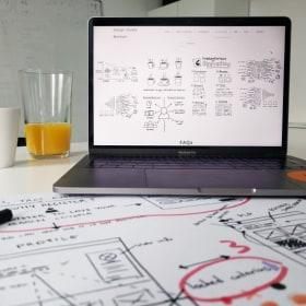 Ergománia - Imádunk sketcheket gyártani!