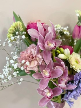 Dori Legradi Flowers - 														Signature bouquet