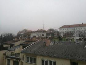 GEMCON Kft. - Az ablakból a várat látjuk