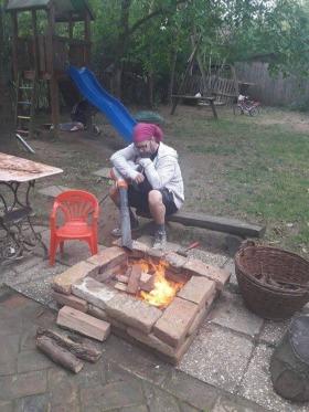 JóSzaki - Kályhás szaki tüzet csihol :D