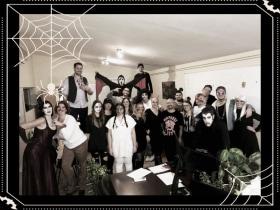 Online Márkaboltok - Halloween party az irodában.
