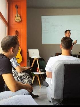 Y-collective - Folyamatos tanulás - TRÉNINGEK