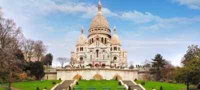 Travel to Montmartre in Paris