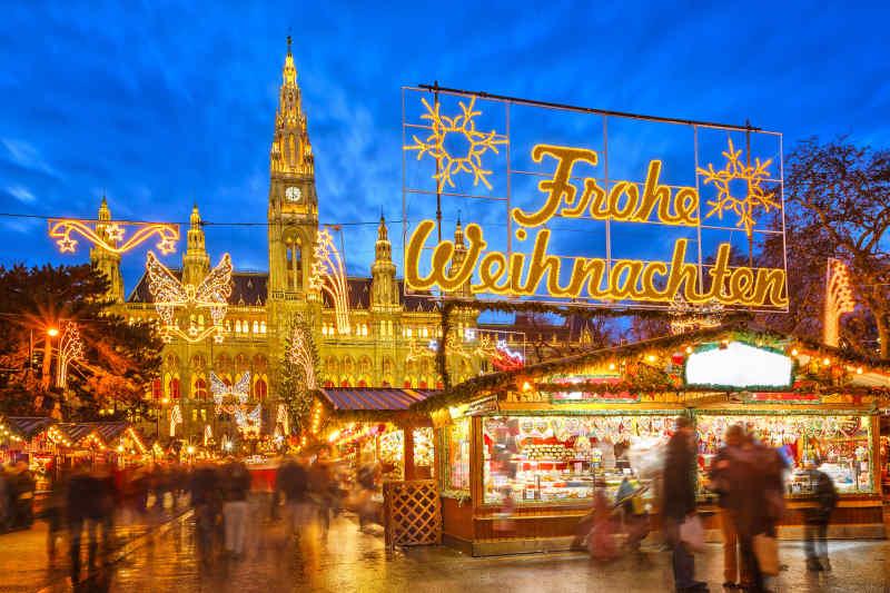 Christkindlmarkt am Rathausplatz • Vienna, Austria