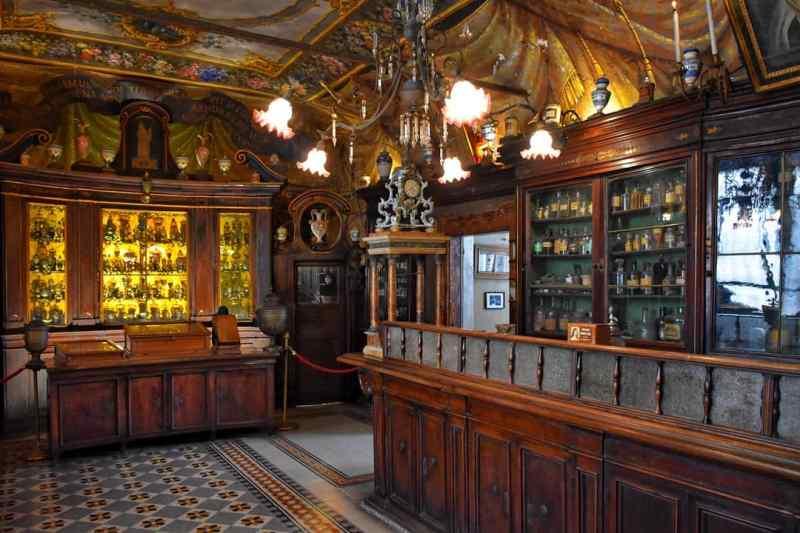 Antica Farmacia Santa Maria della Scala in Rome
