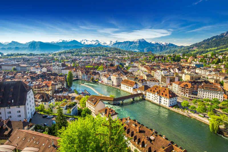 Lucrene, Switzerland