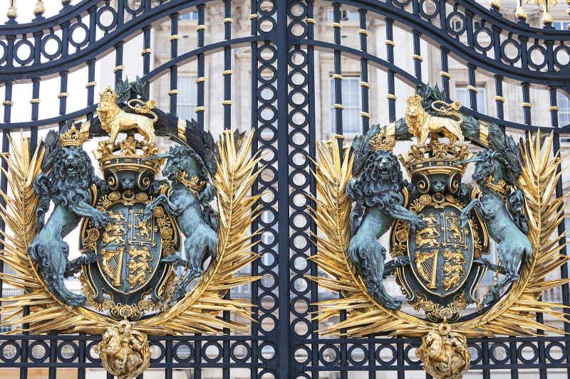 UK Arms on Gate of Buckingham Palace