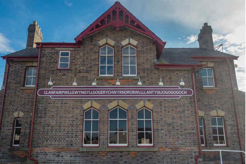 Village of Llanfairpwllgwyngyllgogerychwyrndrobwllllantysiliogogogoch • Anglesey, Wales