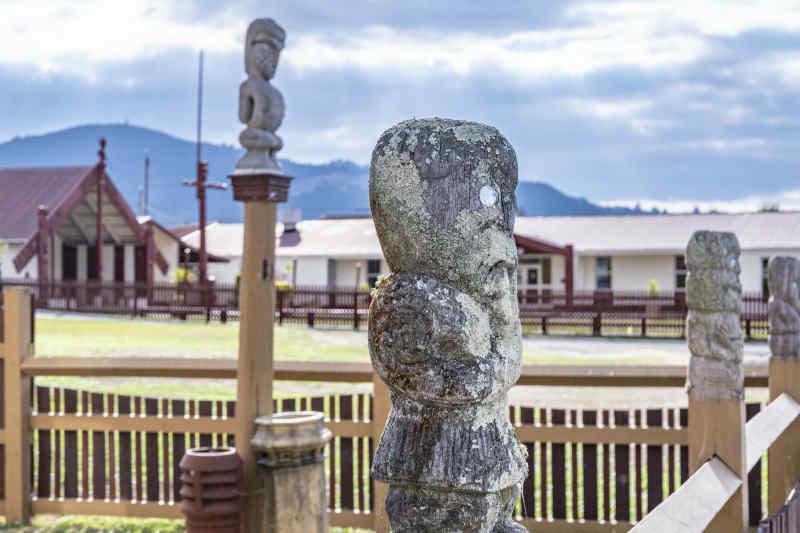 Māori statue