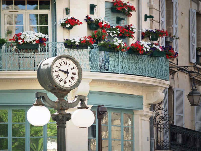 Travel to Avignon in France