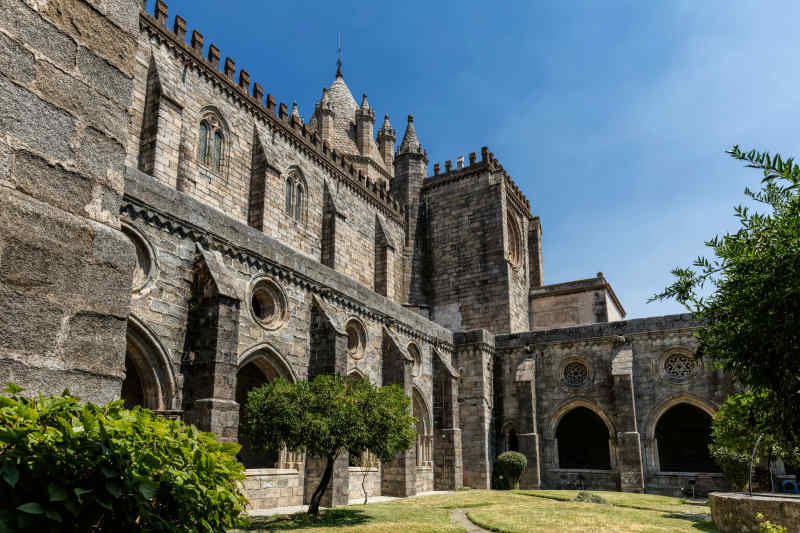 Cloisters of the Se Cathedral of Evora